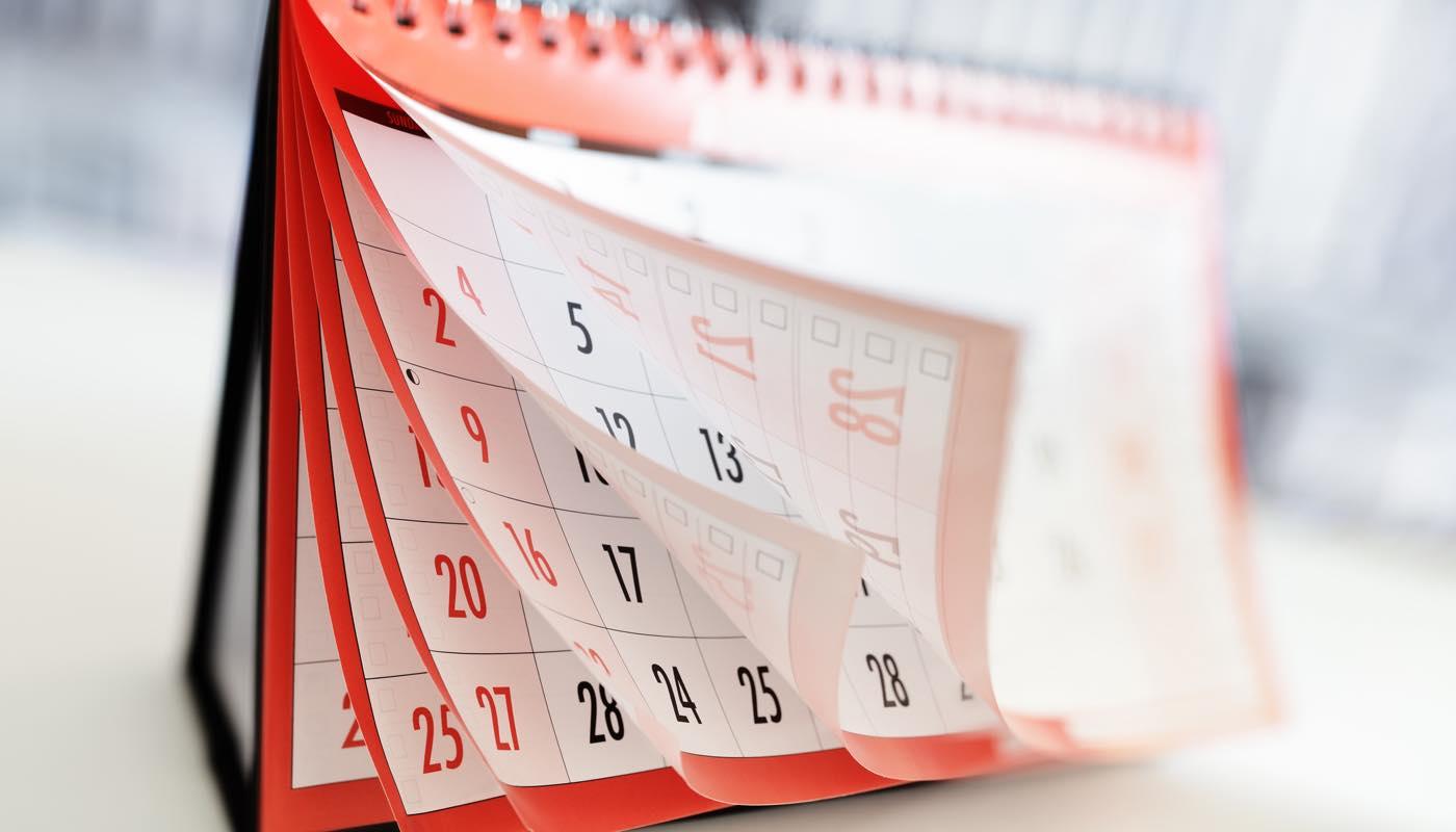 カレンダーをめくって連絡をしてこない彼を待つ期間を決める